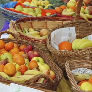 Wicker baskets of fresh fruit