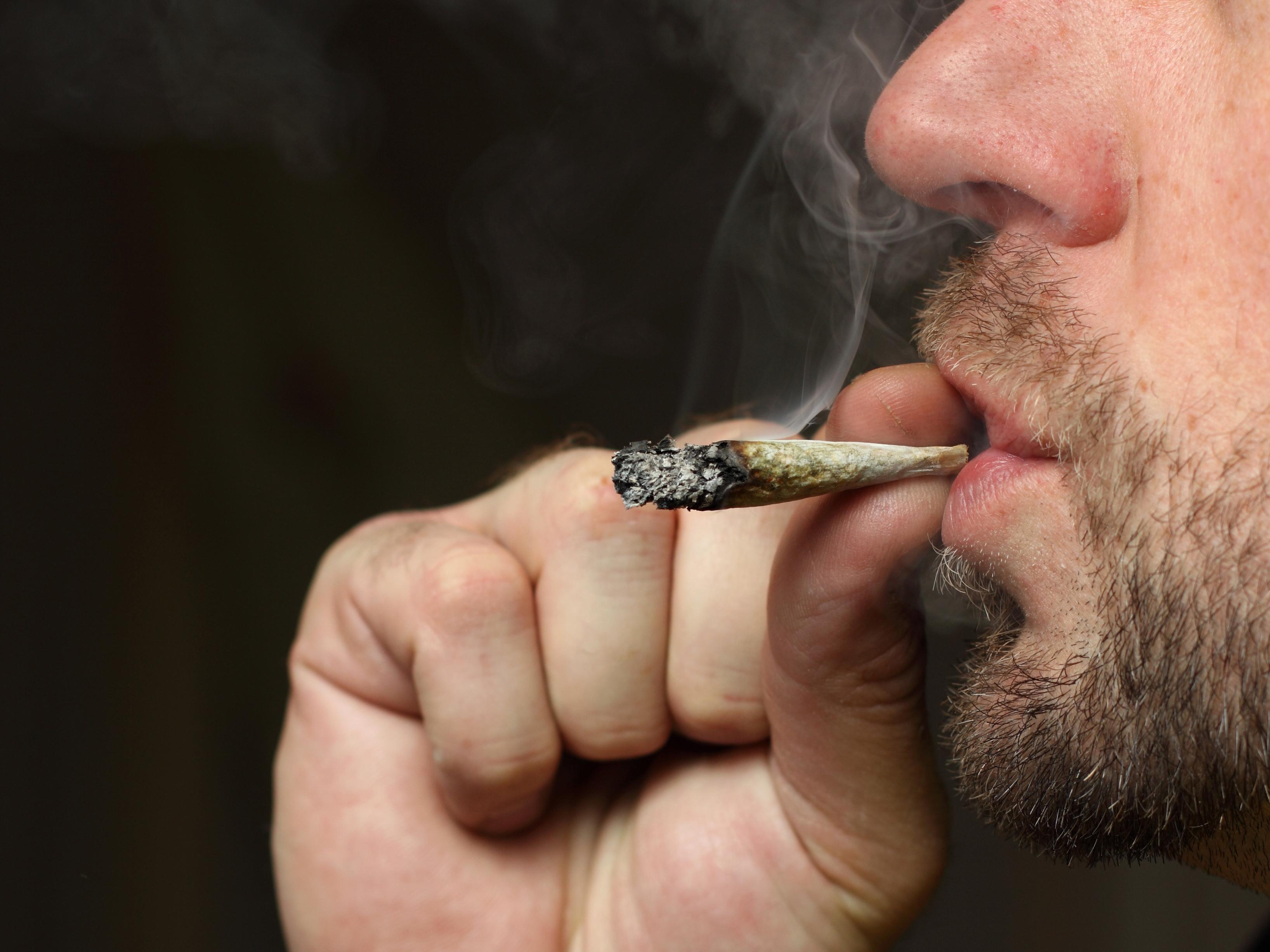 Des mères jai cessé de fumer dans la nuit la bataille des extralucides