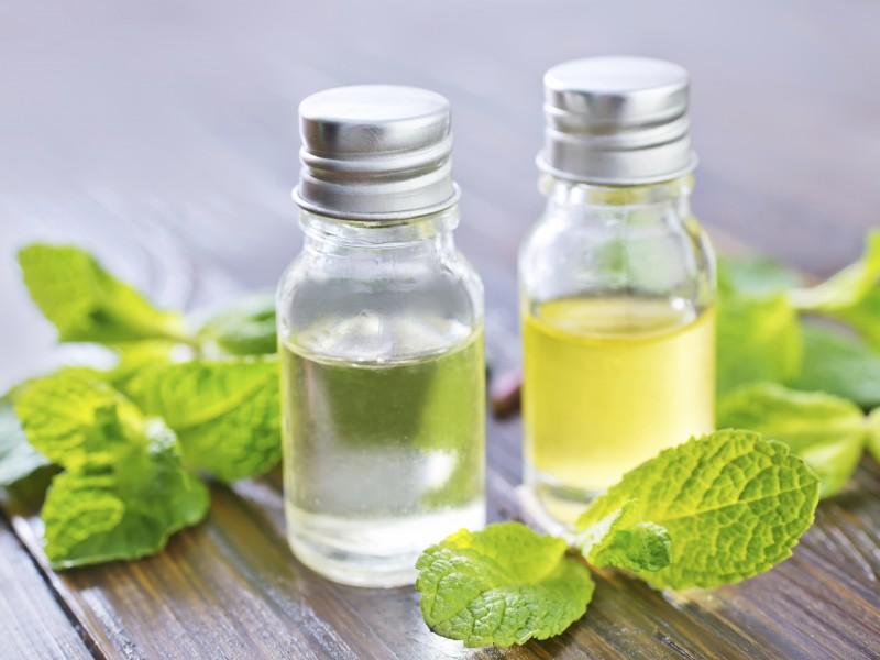 peppermint-oil-medicine-cabinet-800x600.jpg (800×600)