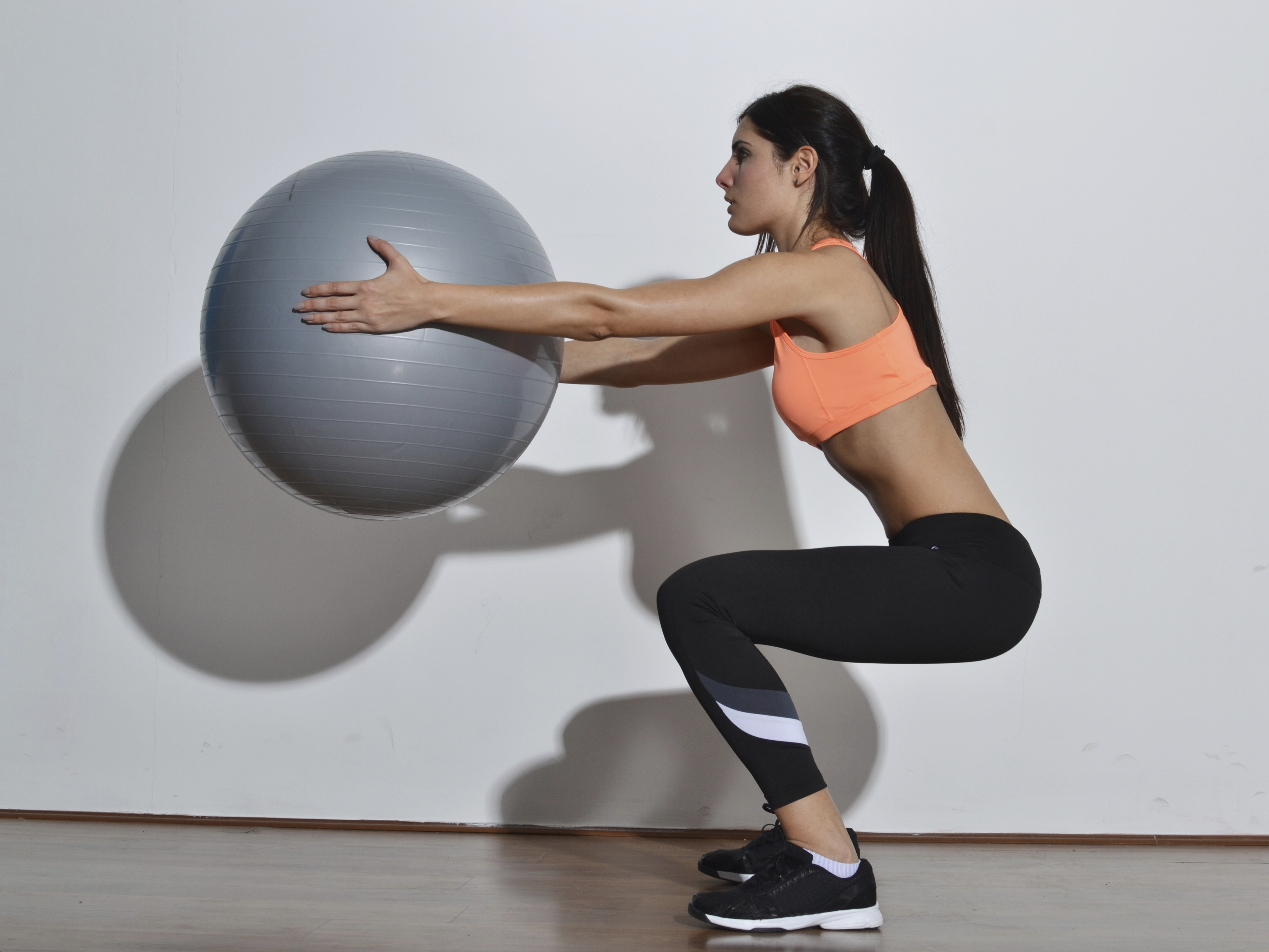 Dynamic squats for lower body strength