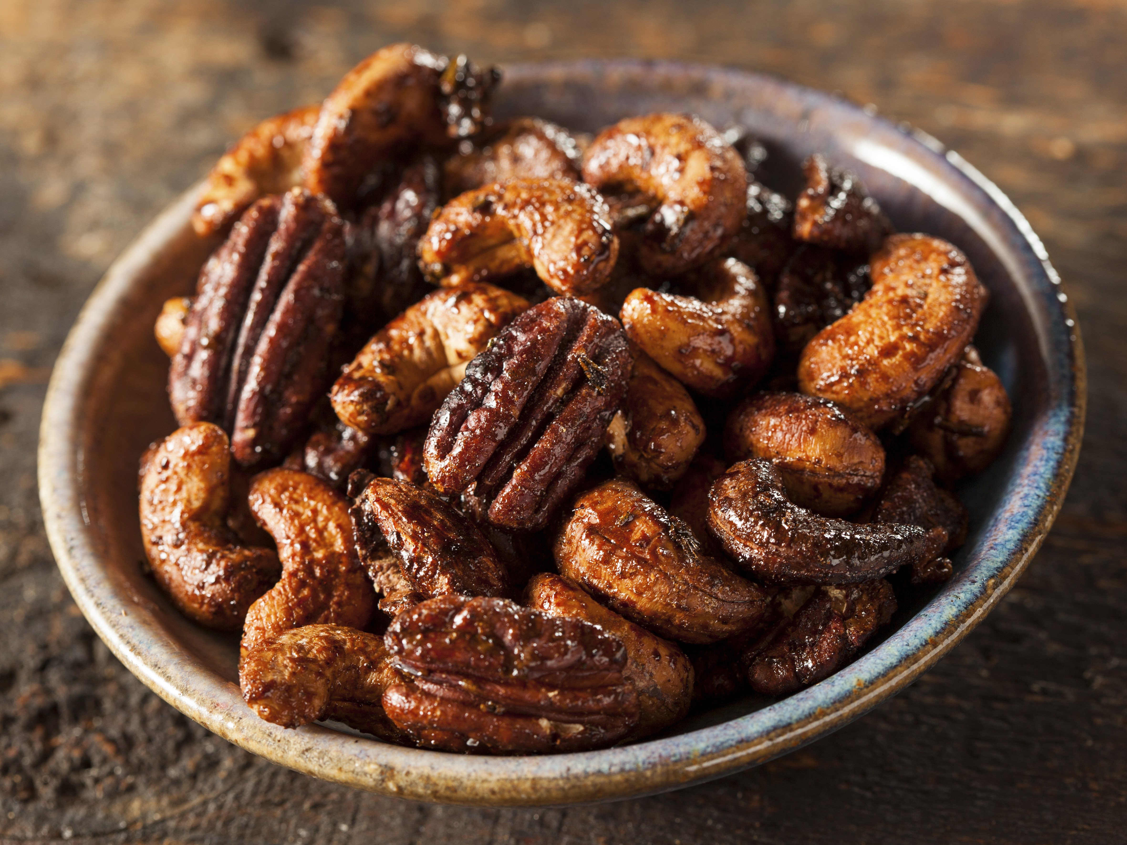 ... the kitchen with Kelley: Slow cooker honey-glazed nuts with cinnamon
