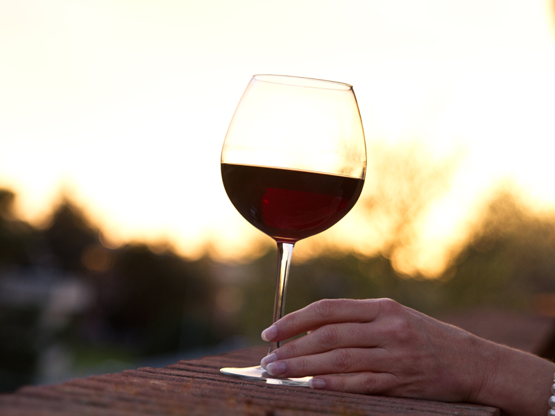 Risk factors that bust alcohol's heart health benefits