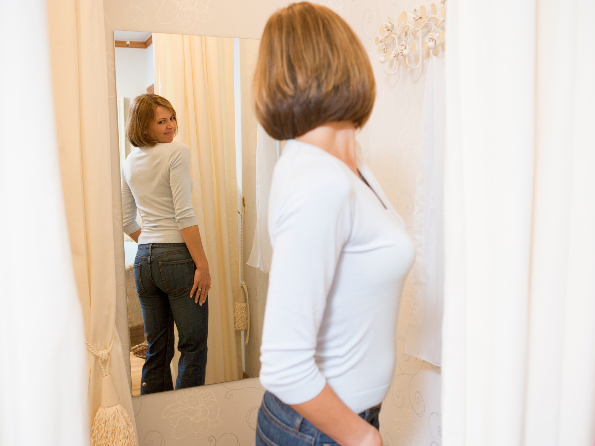 How to look 5 pounds thinner instantly