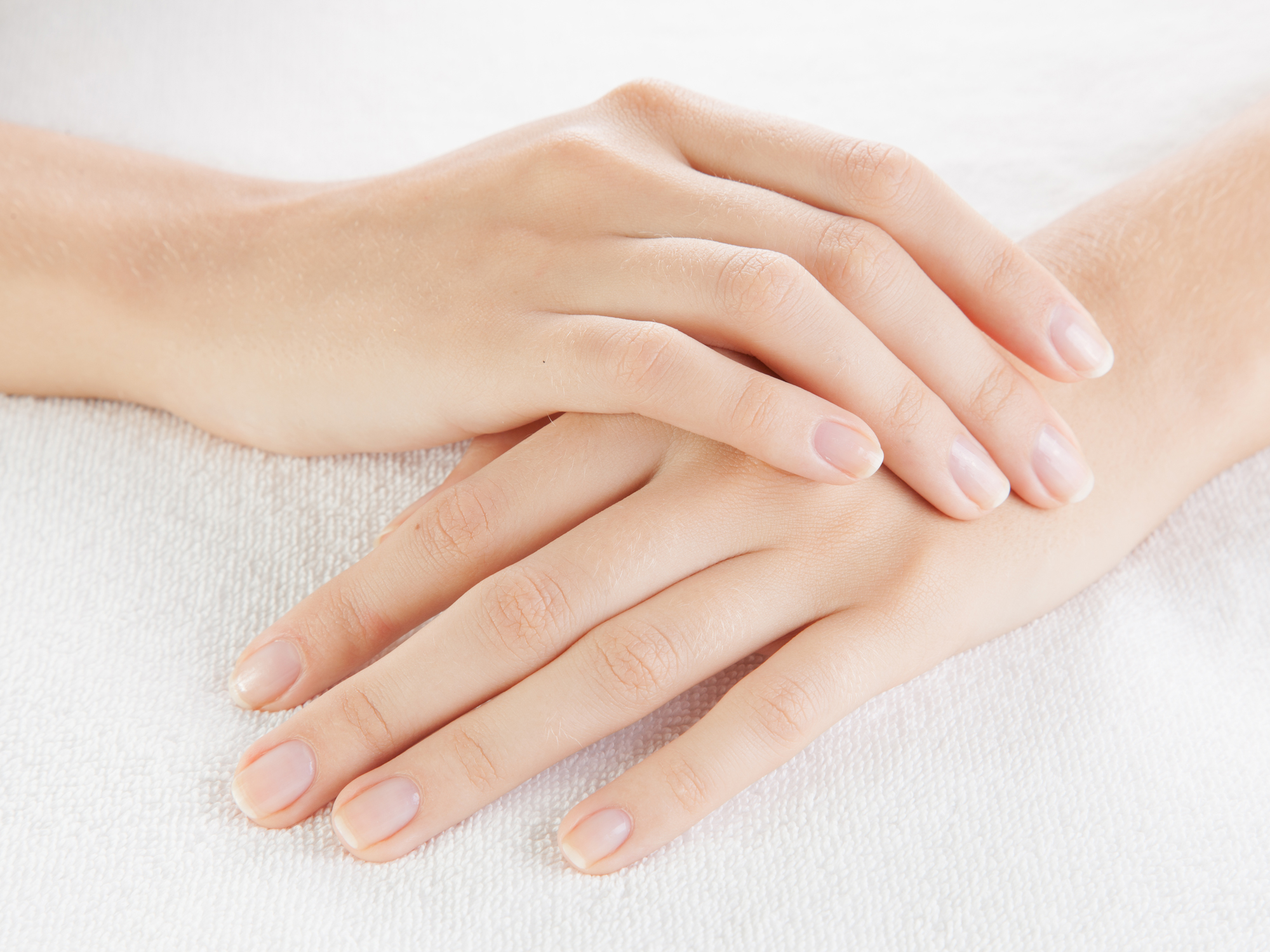 10 warning signs your fingernails are giving you - Easy Health Options®