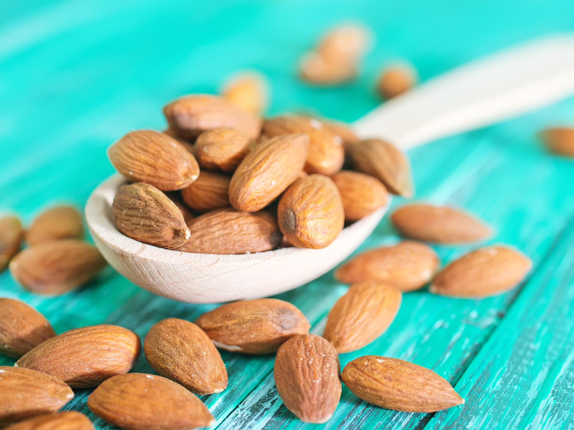 What almonds do to your cholesterol