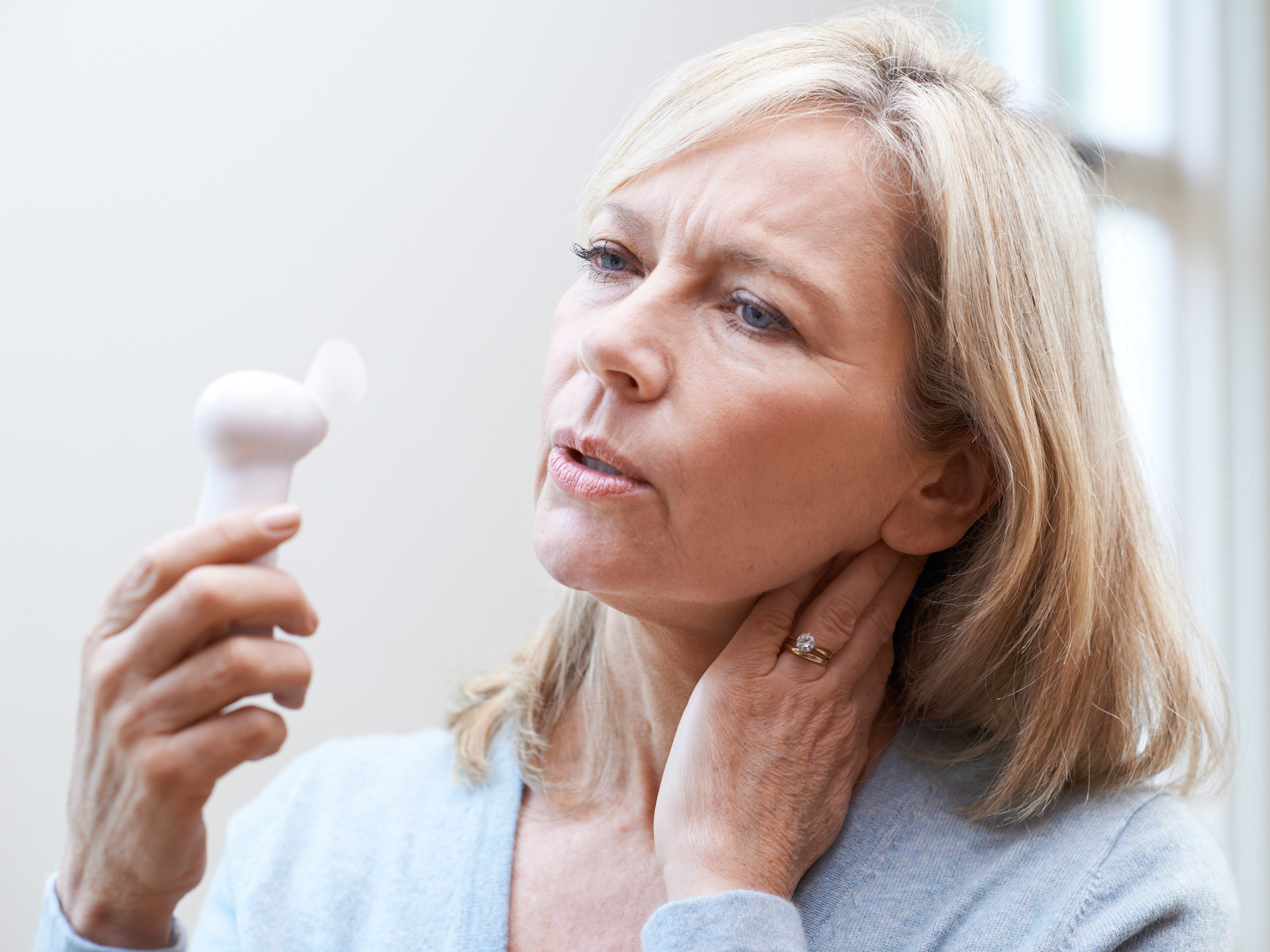 4 tips for fewer hot flashes