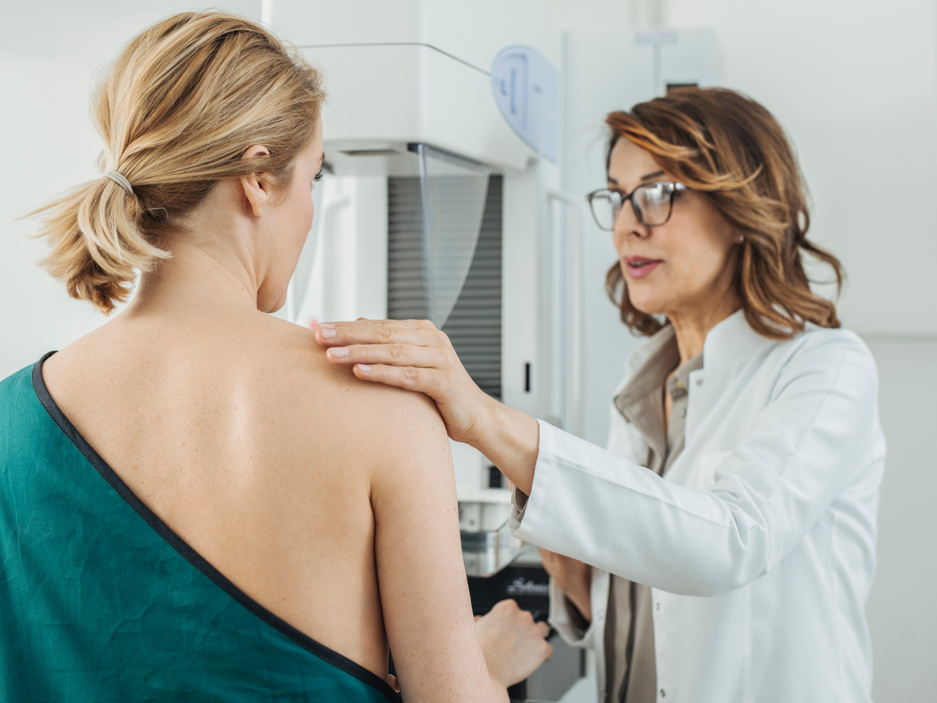 """3-D mammography casts doubt on """"end date"""" for cancer screening of older women"""