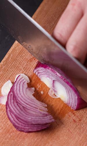 Onion puree hair treatment