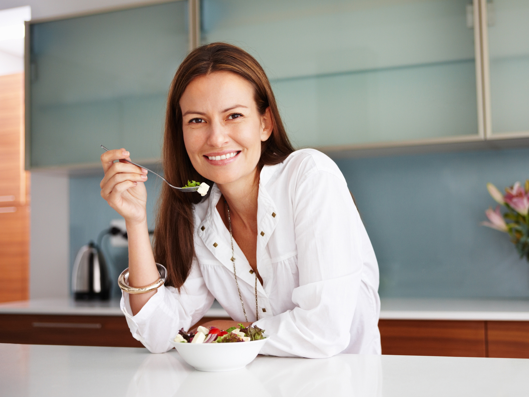 Why eating slow burns calories and fights off metabolic syndrome