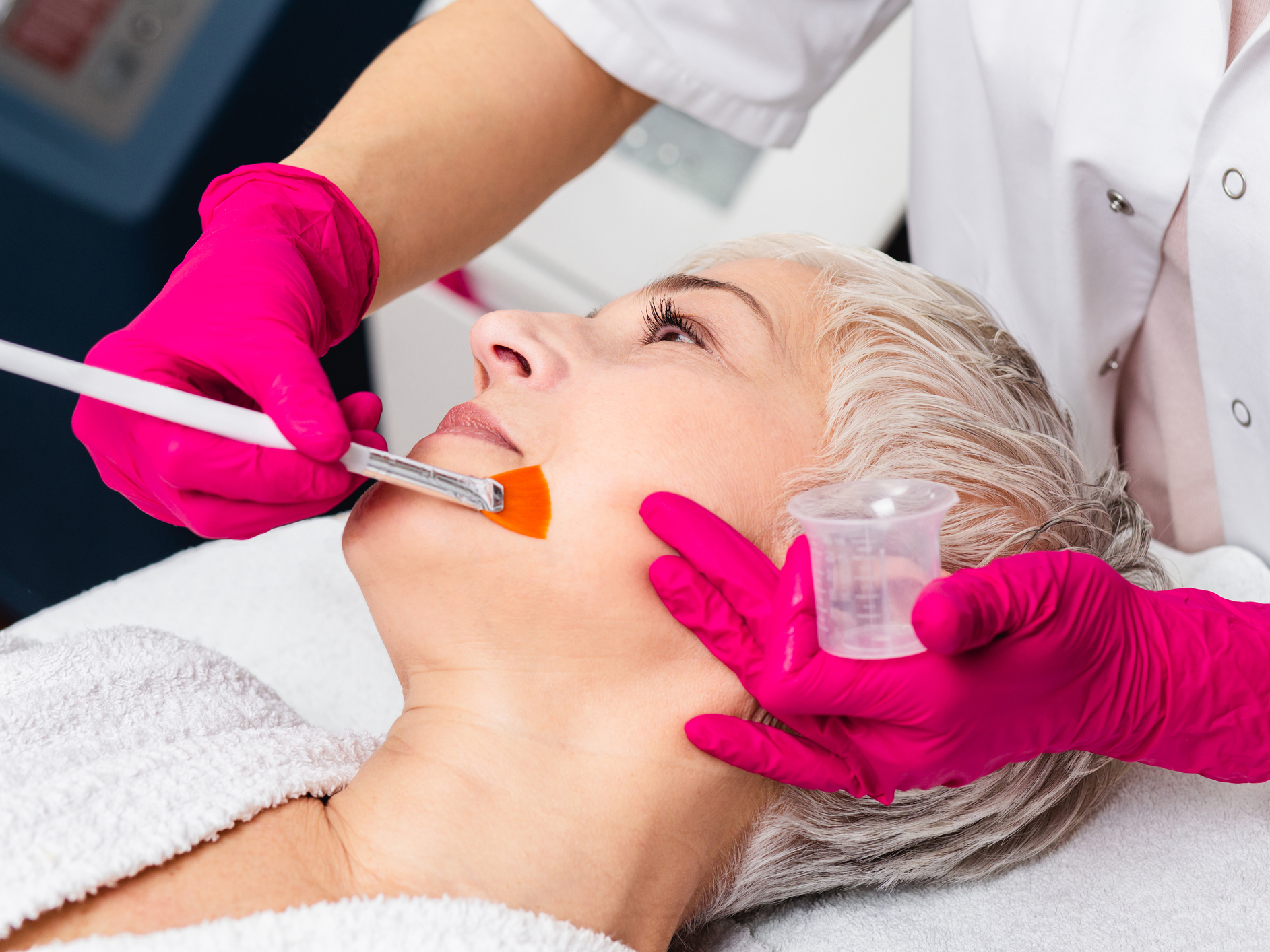 What to expect during a dermal filler procedure