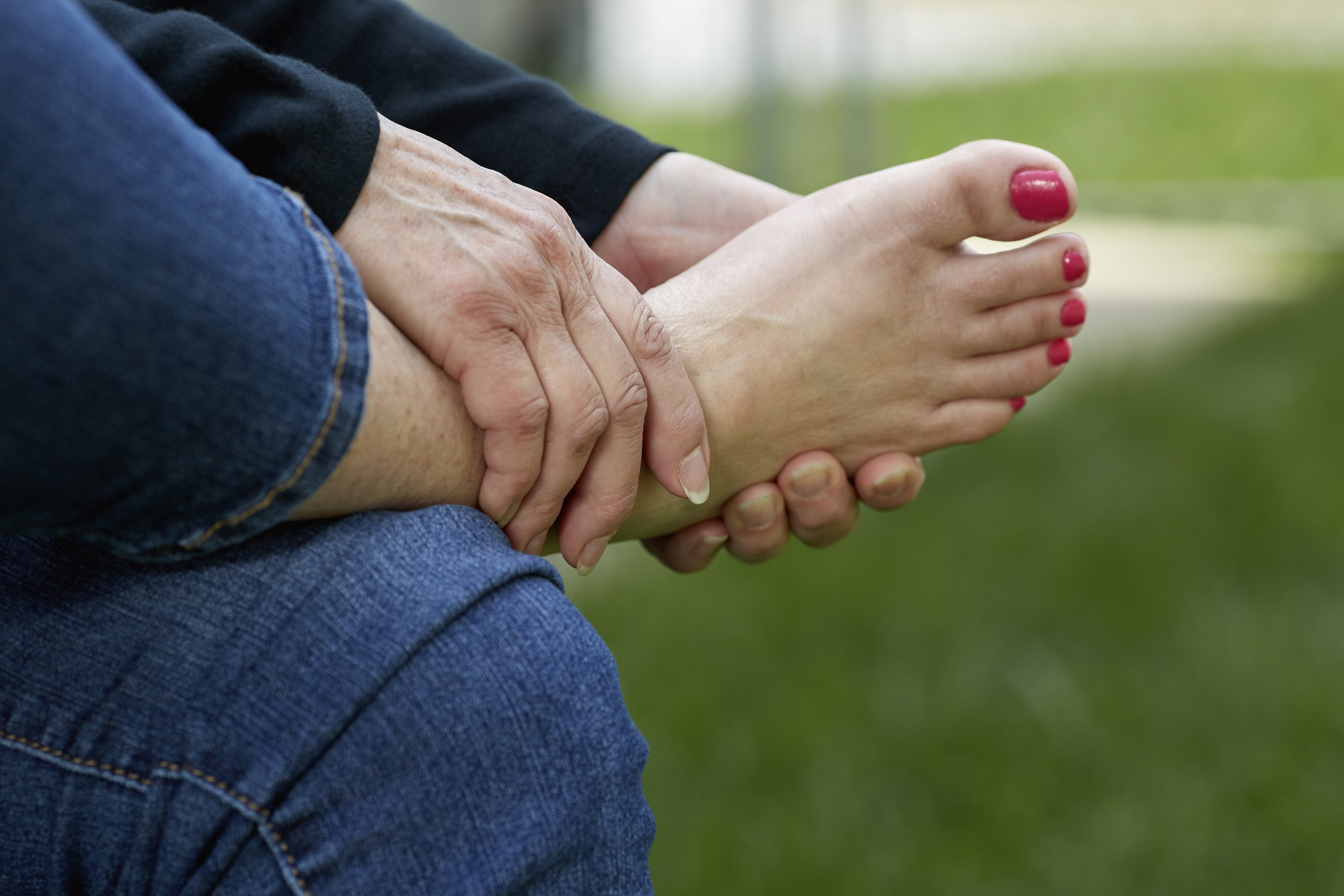 6 reasons you shouldn't ignore swollen feet