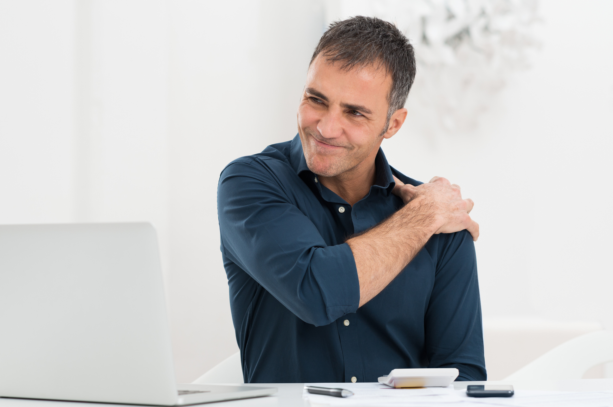 The weird connection between shoulder pain and heart trouble