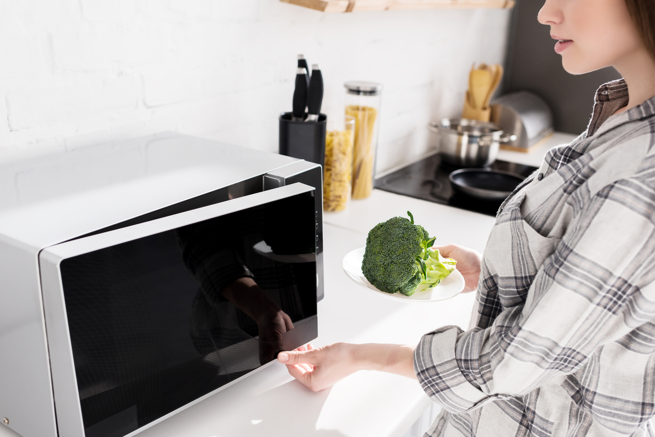 7 delicious things to do with your microwave