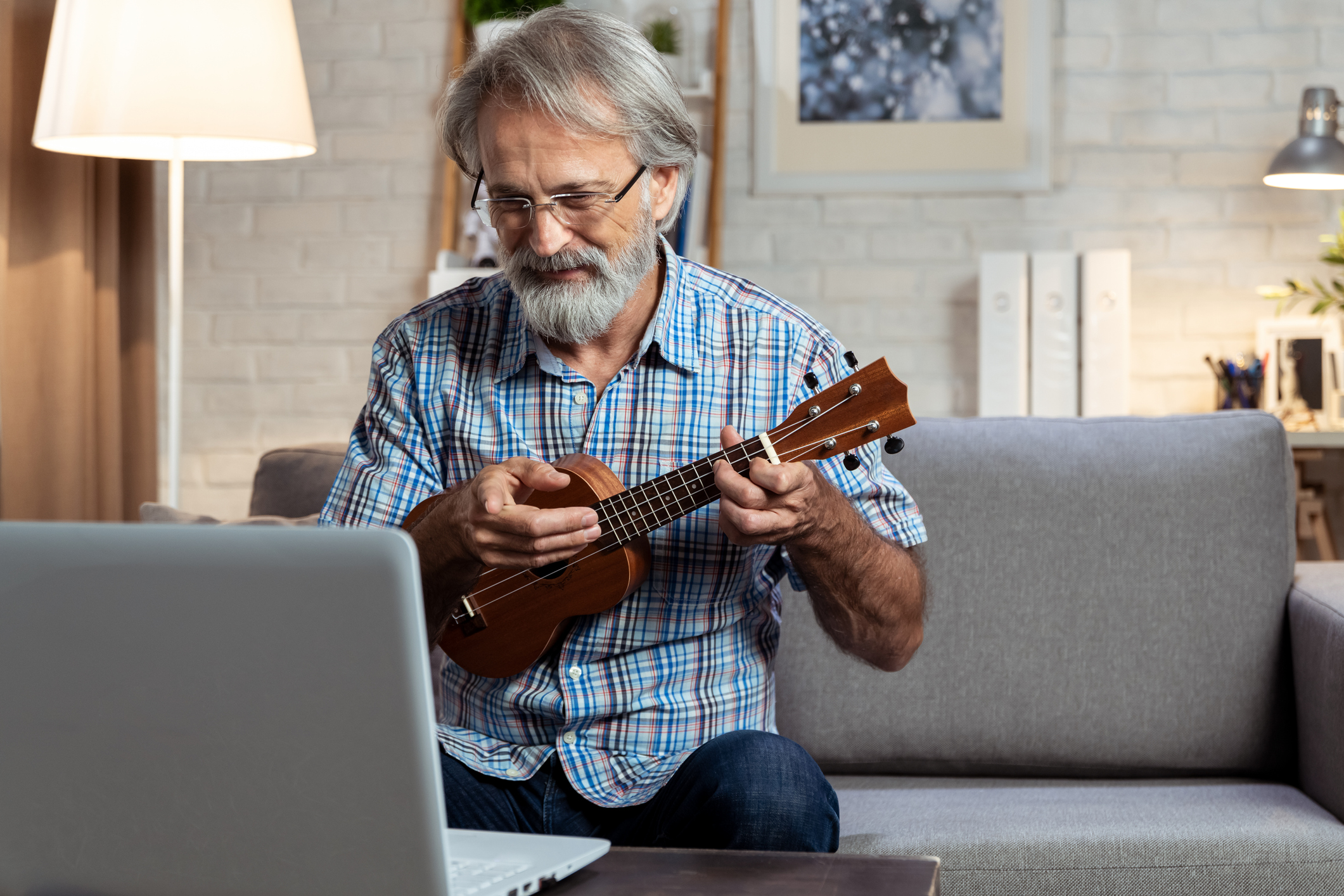 Alzheimer's to stroke: What playing an instrument does for your brain